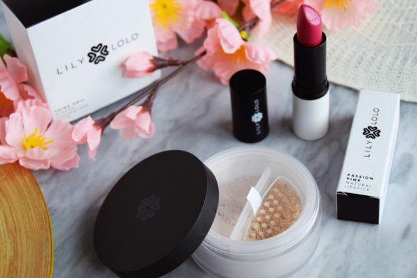 Jak nakładać podkład mineralny Lily Lolo? Mini kurs kosmetyczny