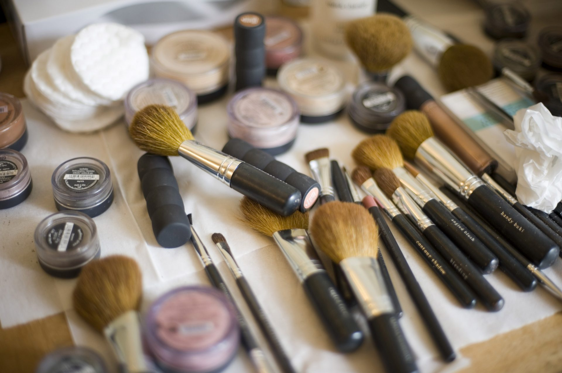 Robimy porządki. Jak czyszczę akcesoria do makijażu?