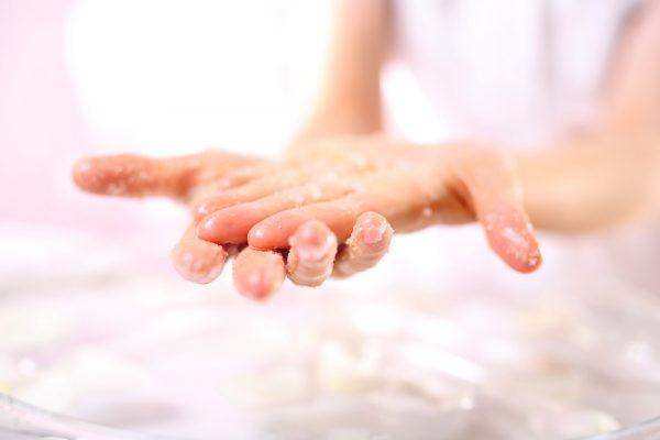 Jak dbać o skórę przez cały rok? Poznaj potrzeby swojej skóry