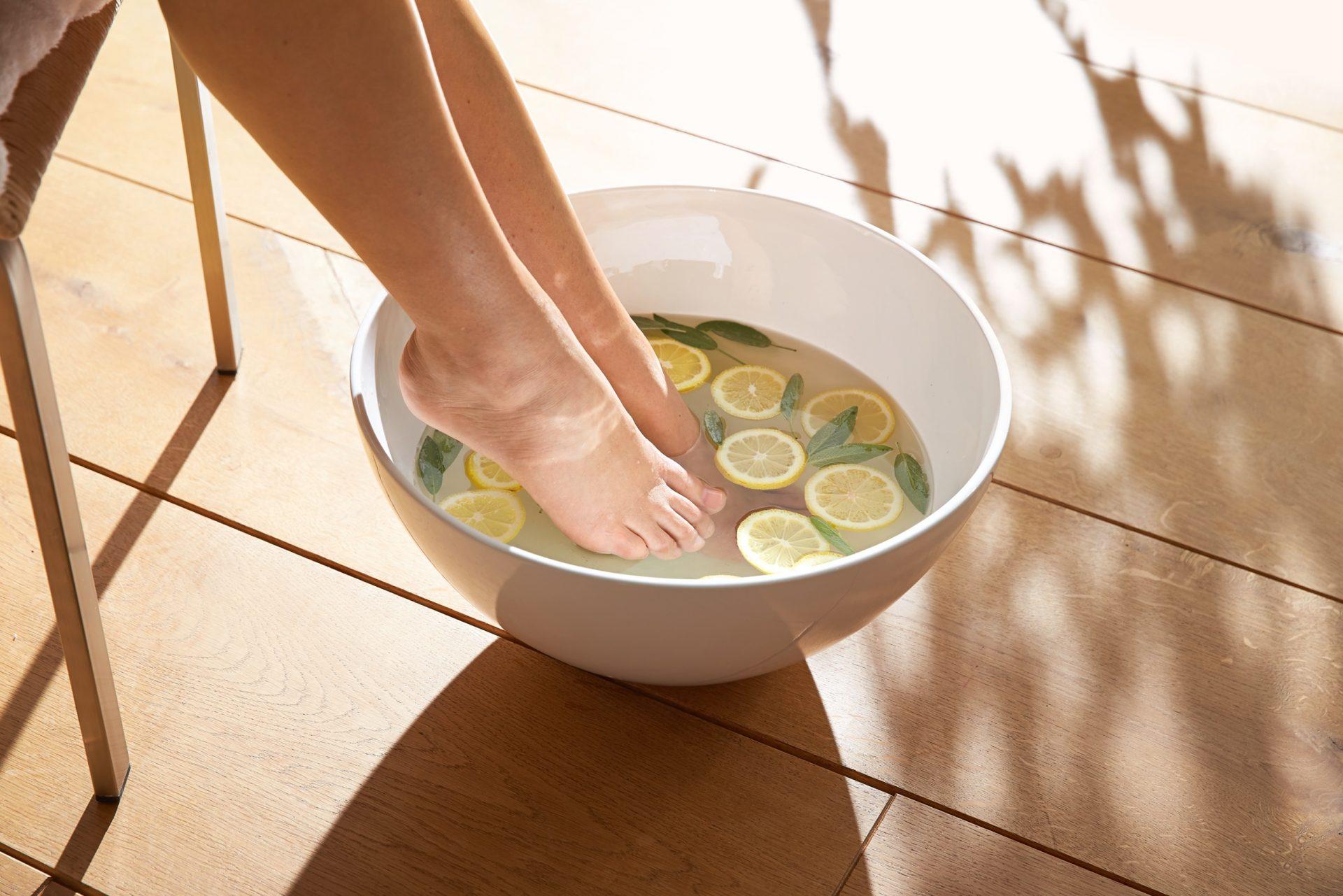 Jak o stopy dbać jesienią? Moje ulubione zabiegi i kosmetyki